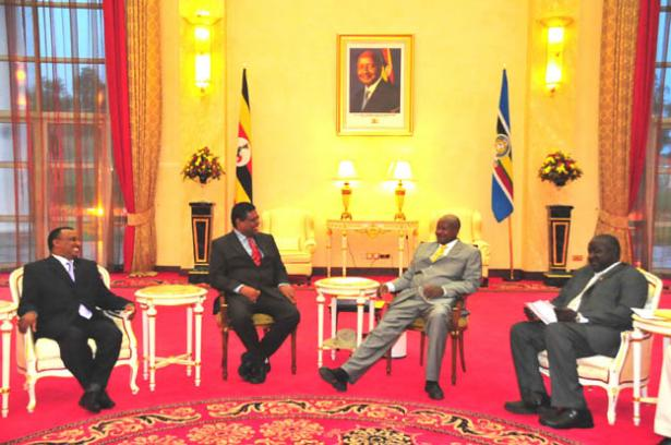 President Museveni chatting with the new Sri Lankia's High Commissioner Thambi