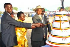 President Yoweri Museveni, Pader woman MP Lowila CD Oketayot (IN YELLOW)  her hu